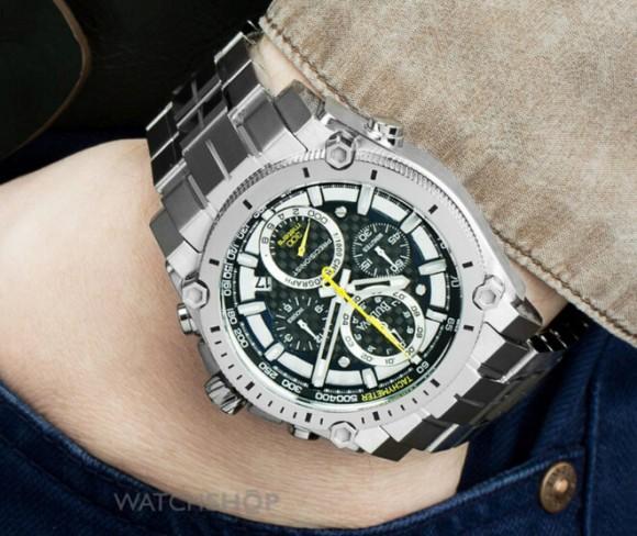 历史新低,Bulova 96B175 宝路华碳纤维男士计时手表