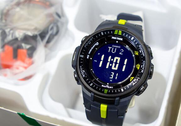 美亚PrimeDay新低!Casio PRW-3000-2CR 卡西欧反显户外登山表